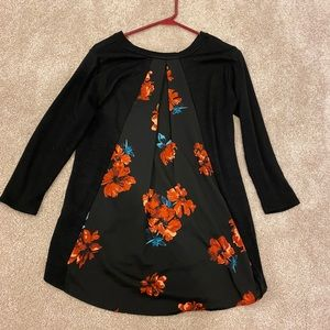 Market and Spruce Women's Floral Tunic Top